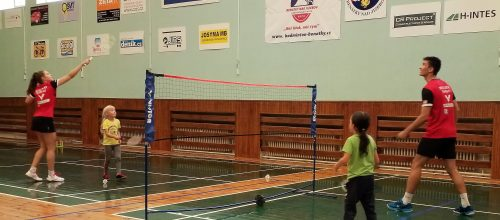 Pojď hrát badminton v Benátkách n/J