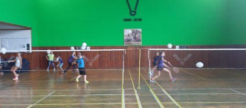 Pojď hrát badminton na Kladně